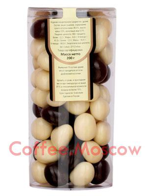 Драже Царское подворье Вишня в шоколаде и белой глазури 200 гр
